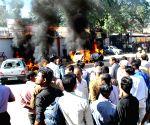 Police-lawyers clash at Tis Hazari, advocate injured