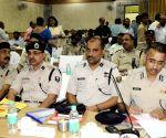 Bihar CM meets police officials