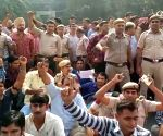 Cops protest at Delhi Police Headquarters