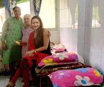 Free Photo: Samikssha Batnagar's Diwali at old age home
