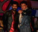 Prabhudeva and Mithun Chakraborty on the set of Dance India Dance.