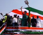 Modi pro-rich, says Priyanka on Ganga ride