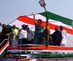 Priyanka begins her Ganga Yatra to Varanasi