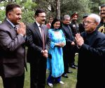 President Mukherjee hosts reception for Himachal Ministers