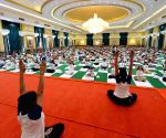 "President Pranab Mukherjee inaugurates ""International Day of Yoga"