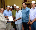 Pranab Mukherjee meet MLAs and leaders of Aam Admi Party
