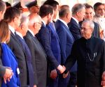 Pranab Mukherjee meeting dignitaries from Turkey at the forecourt in Rashtrapati Bhavan