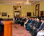 "Pranab Mukherjee meets the winners of ""Innovate for Digital India Challenge"