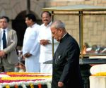 President Mukherjee pays tribute to Mahatma Gandhi