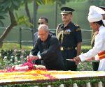 President Mukherjee pays tribute to  Lal Bahadur Shastri