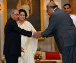 President Mukherjee meets the representatives participating in 2nd Summit of FIPIC