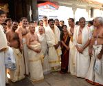 President Pranab Mukherjee visits Padmanabhaswamy Temple