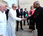 Prague (Czech Republic): President Kovind visits Strahov Monastery