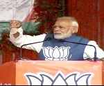 Congress does not want to credit people for choosing 'chaiwala' PM: Modi