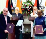 India, Palestine exchange agreements
