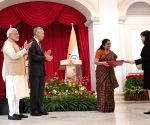 Exchange of MoUs - Modi, Lee Hsien Loong