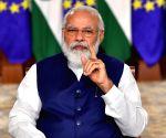 Handloom Day: Modi urges