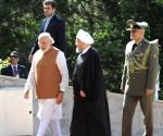 Modi receives ceremonial welcome in Iran