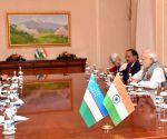 Tashkent (Uzbekistan): SCO summit sidelines: PM Modi meets Uzbek President Karimov