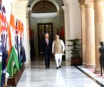 Modi meets Australian PM at Hyderabad House