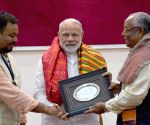 Modi meets descendants of Paika Rebellion martyrs in Odisha