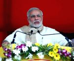 Amidst Shiv Sena's onslaught PM lauds Maha CM's Covid efforts