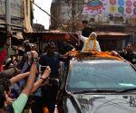 Modi visits Kashi Vishwanath and Kal Bhairav temples