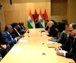 Johannesburg (South Africa): PM Modi meets Angola President