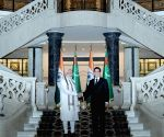 PM Modi in tete-a-tete with the President of Turkmenistan