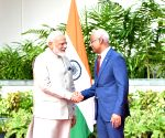 PM Modi meets Maldives President