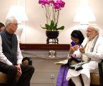 Modi meets Goh Chok Tong