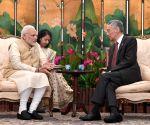PM Modi meets Singapore's Prime Minister