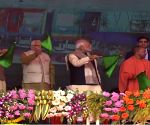 Raebareli (UP): PM Modi flags off the 900th coach and a Humsafar Rake of MRCF