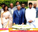 Mauritian PM pays tribute at Rajghat