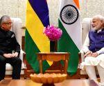 Mauritius PM meets Narendra Modi