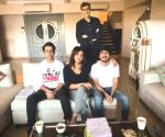 Priyanka posts pics of 'The White Tiger' table read