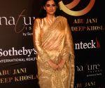 Abu Jani-Sandeep Khosla's fashion show - Sonali Bendre, Rhea Kapoor, Twinkle Khanna