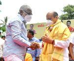 Prominent Dalit leader N. Mahesh joins BJP in K'taka