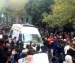 Protesters give way to ambulance, not all Twitterati impressed