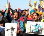 Sloganeering continues at Delhi borders