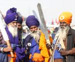 Free Photo: Punjab and Haryana Farmer during A  protest against kisaan Bill at Singu border in New Delhi on Monday
