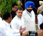 100th anniversary of Jallianwala Bagh massacre - Captain Amarinder Singh, Rahul Gandhi pay tributes to the martyrs