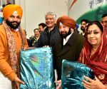 Amarinder Singh launches Congress 'Jan Sampark Abhiyan