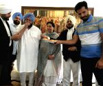 Amarinder celebrates Vigilance Bureau's cancellation report