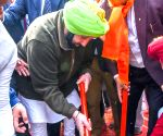 Punjab CM pays obeisance at Durgiana Temple
