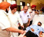 Punjab CM meets Gurdaspur factory blast victims