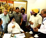 Parkash Singh Badal meets fish farmers and fishery experts