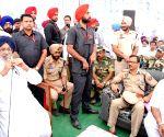 Parkash Singh Badal visits to Gurdaspur Relief Camp