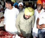 Partap Singh Bajwa meets the people injured in Dinanagar terrorist attack