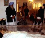 Punjab Governor pays tribute to Surjit Singh Barnala